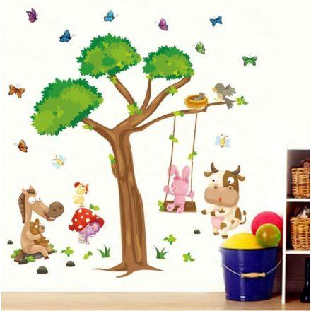 Fa alatt játszó állatok