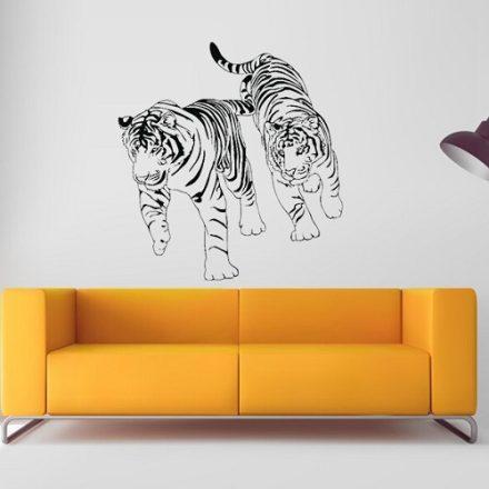 Sétáló tigrisek