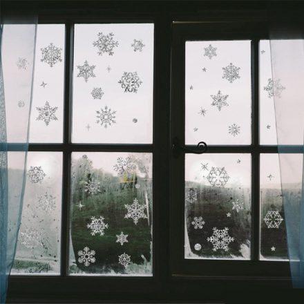 Ezüst hópelyhek, karácsonyi dekorációs matrica ablakra vagy kirakatra