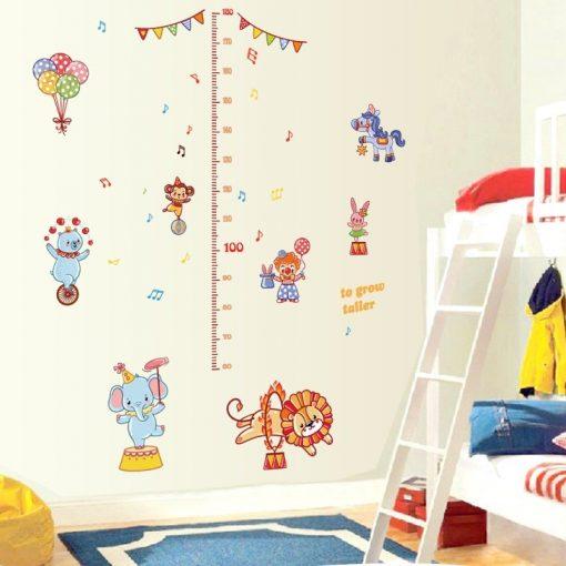 Cirkuszban, magasságmérő falmatrica gyerekszobába a Dekoráció Webáruházban