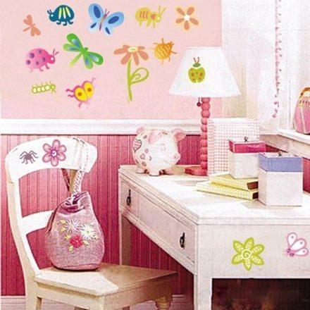 Pillangók, virágok, katicák
