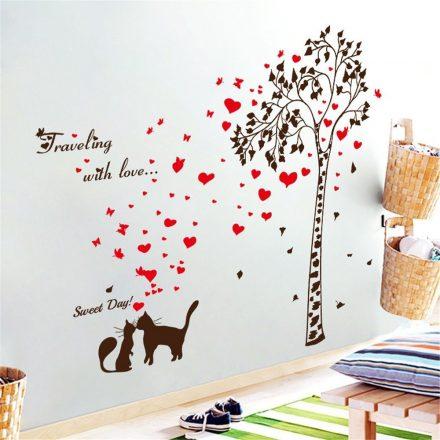 Szerelmes cicák a fa alatt
